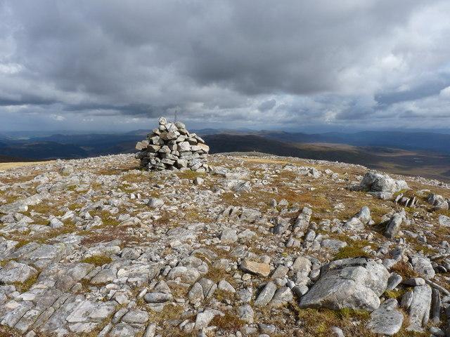 Summit cairn - Carn a' Choire Bhuidhe