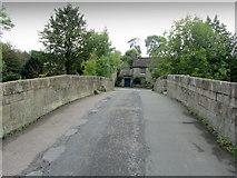 SK2572 : Bridge over the Derwent, Baslow by Chris Heaton