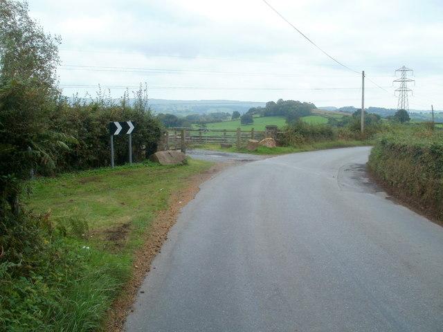 Sharp bend ahead, Tre-herbert Road