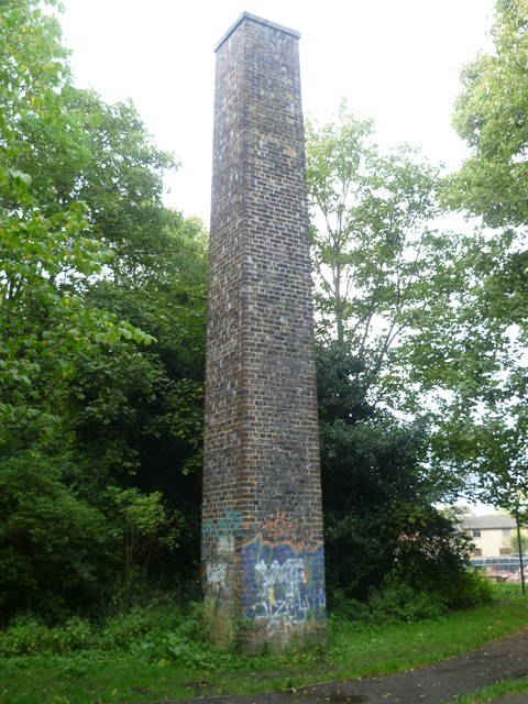Old chimney, Bonnington by kim traynor