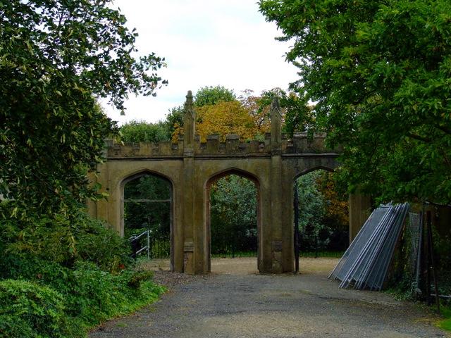 Arches in Gunnersbury Park