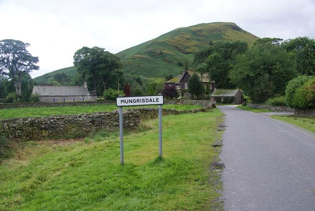 Mungrisdale (village)