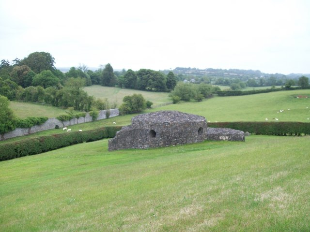 A stone structure on the site of the Newgrange Tomb