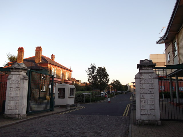 Entrance to South Western Hospital