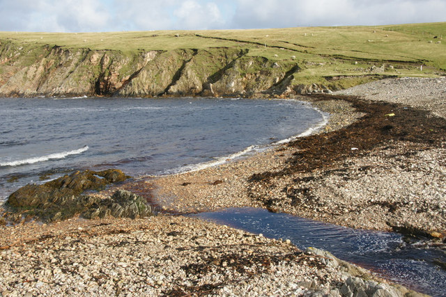 Beach at Wick of Whallerie, Gloup