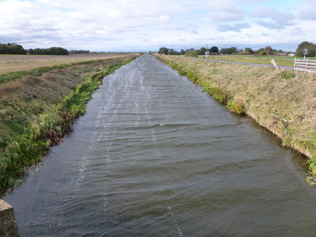 Choppy waters of the Forty Foot (Vermuden's) Drain