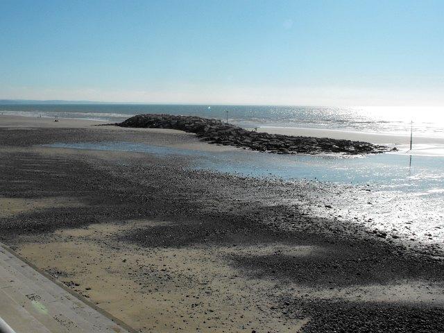 Bryn-y-mor revetment, Tywyn beach