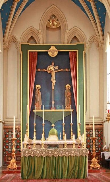 Holy Trinity, Shepherdess Walk, Hoxton - High altar