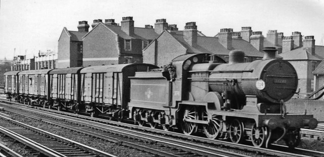 Down parcels train eastbound from London Bridge (Eastern Section)