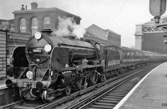 London Bridge (Central ) Station, with 'Schools' 4-4-0 on a Rail Tour