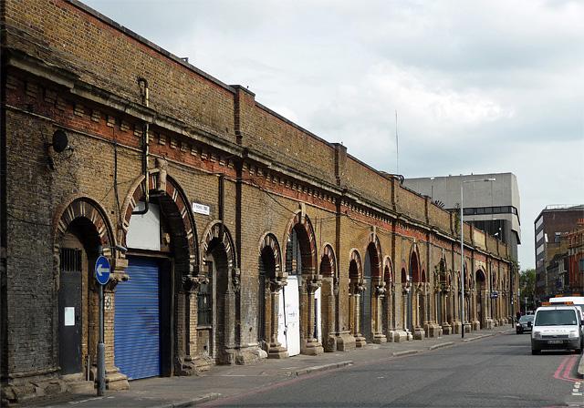 railway arches  st thomas street  u00a9 stephen richards