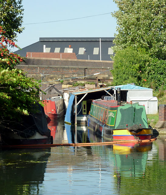 Private canal wharf by Wolverhampton Top Lock