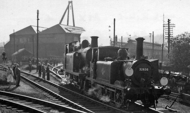 Newhaven Locomotive Depot with ex-LB&SC 0-6-0T and 0-6-2T
