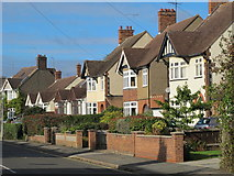 SP9024 : Southcourt Avenue, Linslade by Mike Quinn