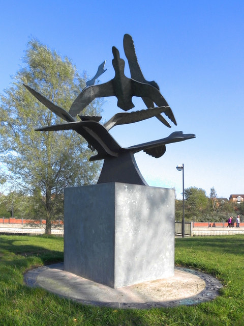 Flying Birds Sculpture, Lakeside