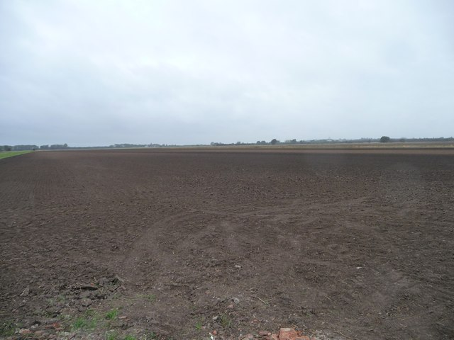Large bare field west of Stockwith Road