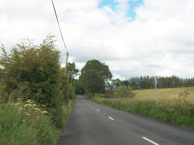 The R164 north of the hamlet of Ughtyneill
