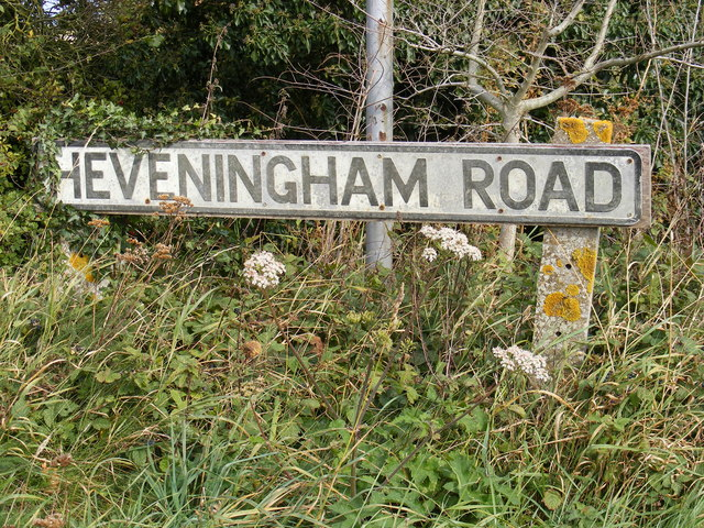 Heveningham Road sign