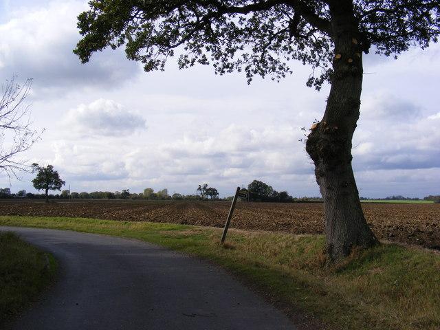 Cratfield Lane & footpath to Heveningham Road & Swan Green Lane