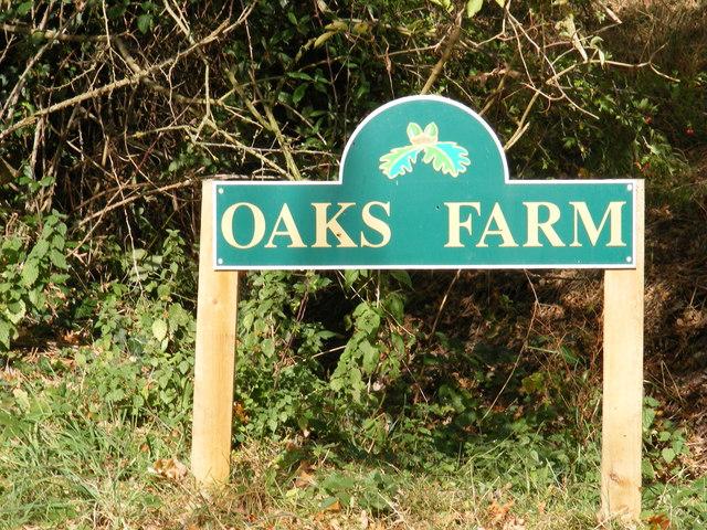 Oaks Farm sign
