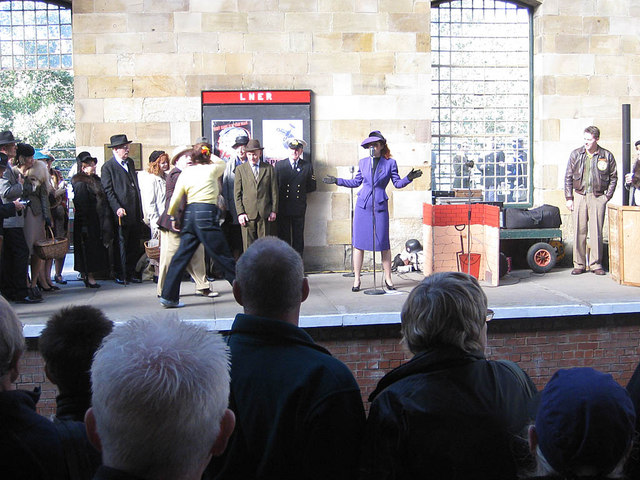 Entertainers, Pickering Station