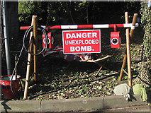 SE7984 : Danger UXB by Pauline E
