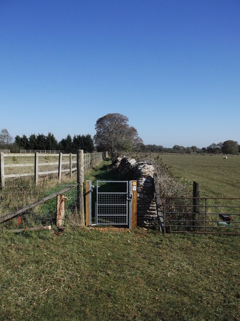 New gate on the footpath from Kencot to Alvescot