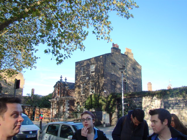 View of the Tower Hamlets Mission from Mile End Road