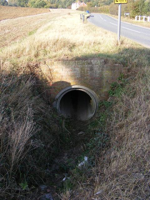 Drainage Pipe next to B1116 Main Road, Parham