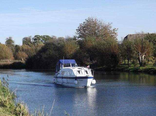 Ella May II on the Thames at Eaton Hastings