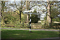 TF0242 : Kelby Farm crossroads fingerpost by Richard Croft