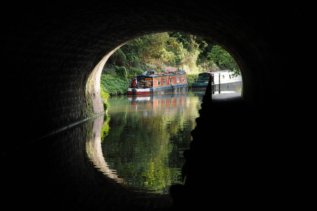 Narrowboat on Kennet and Avon Canal