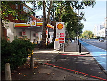 TQ2977 : Shell Petrol Station, Grosvenor Road, Pimlico by PAUL FARMER