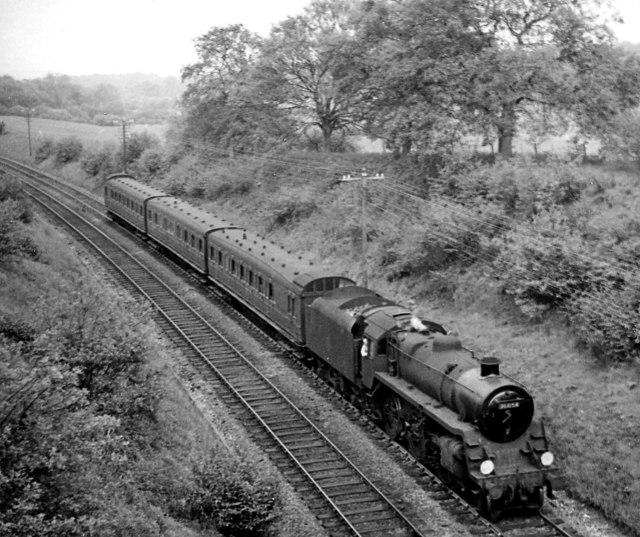 Redhill - Reading train near Gomshall & Shere