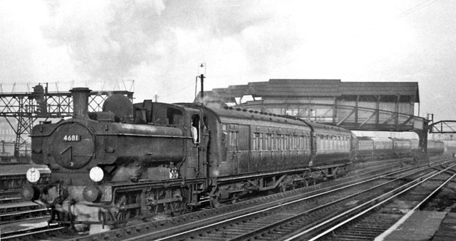 Ex-GWR Pannier tank on empty stock at Clapham Junction