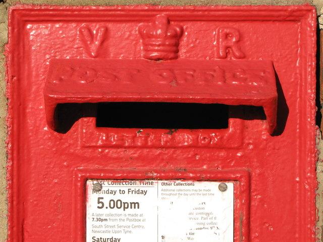 Victorian postbox, Wellfield Road / Hampstead Road, NE4 - aperture