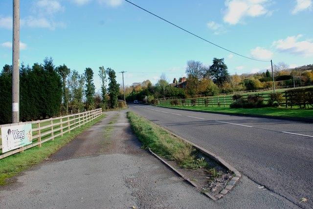 View along Fauld Lane towards Tutbury