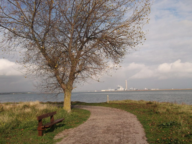 Footpath to Eastcourt Meadows, Riverside Country Park