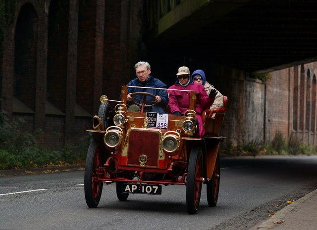 London - Brighton Veteran Car Run 2011