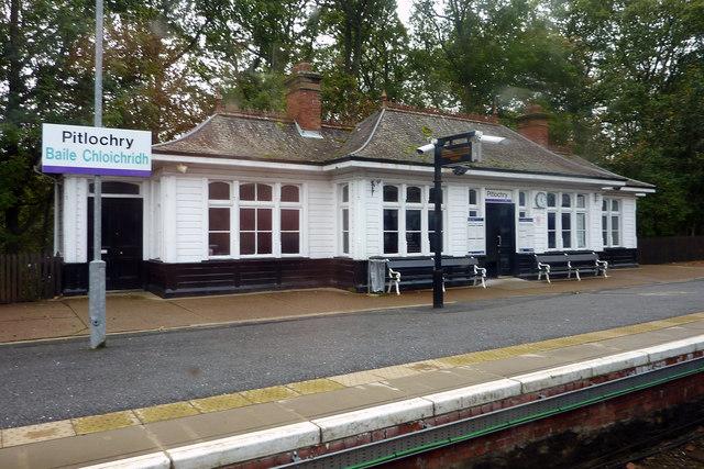 Waiting room on platform 2, Pitlochry station