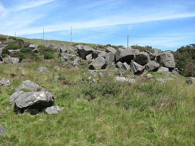 Dhustone boulders