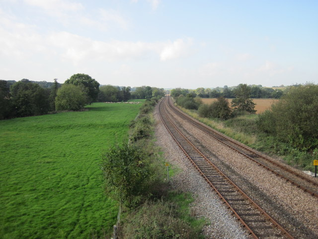 View along the railway line from the bridge at Gunstone Mill