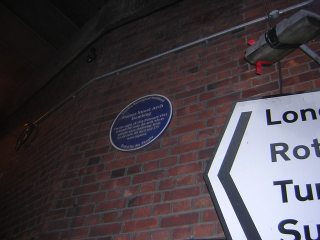 Stainer Street SE1: plaque commemorating bombing