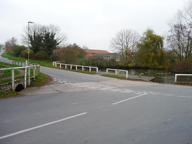 Flood gauge at the dry ford, Barmoor Lane