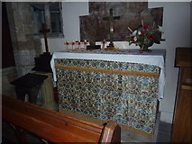 TQ4210 : St Thomas a Becket, Cliffe: side altar by Basher Eyre