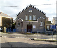 SS8591 : Central Church, Maesteg by Jaggery