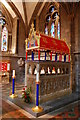 SO5139 : Tomb of Thomas Cantilupe, Hereford Cathedral by Julian P Guffogg