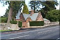 NS3083 : Dhuhill Lodge by Lairich Rig