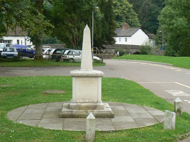 Dulverton War memorial