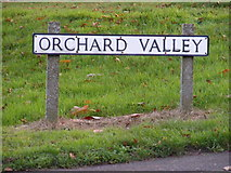 TM4077 : Orchard View sign by Adrian Cable